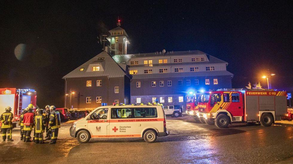 Feuerwehr, Bergwacht und Polizei waren stundenlang im Einsatz. © extremwetter.tv