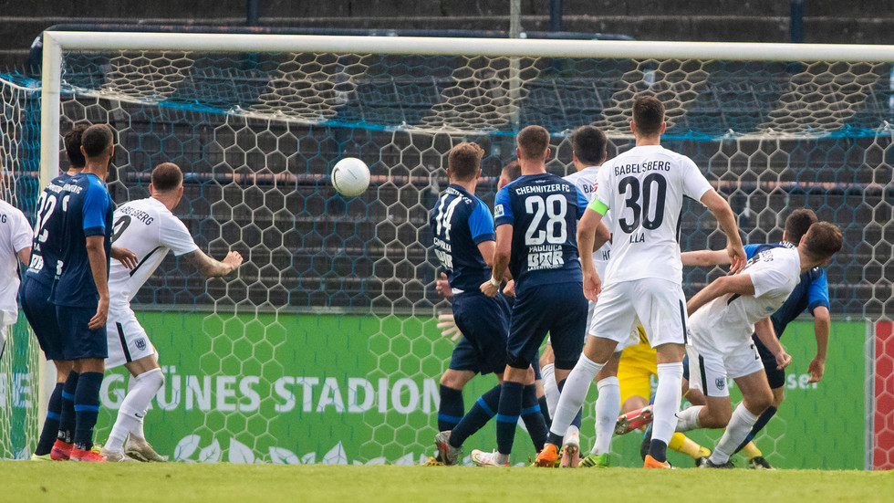 Sven Reimann (Babelsberg) erzielt in der Nachspielzeit das 1:2 aus CFC-Sicht