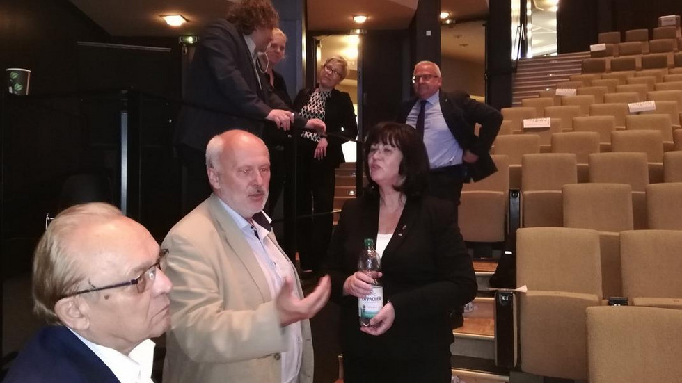"""Die Spremberger Bürgermeisterin Christine Herntier im Gespräch mit Amtskollegen aus dem Lausitzer Revier: """"Zusammenhalt stärken""""."""