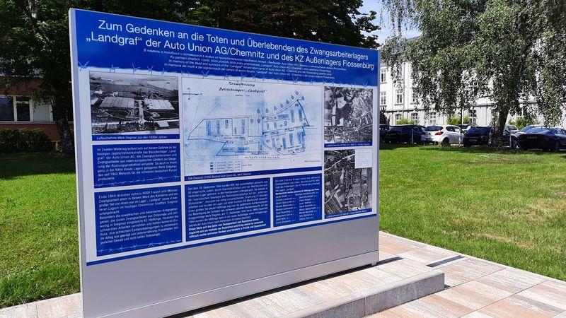 Die Gedenktafel an der Jagdschänkenstraße erinnert an die Zwangsarbeiter, die auf dem Areal untergebracht waren