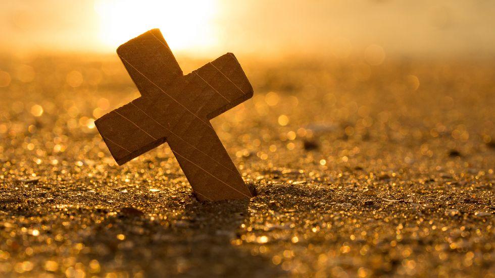 Kreuz am Strand