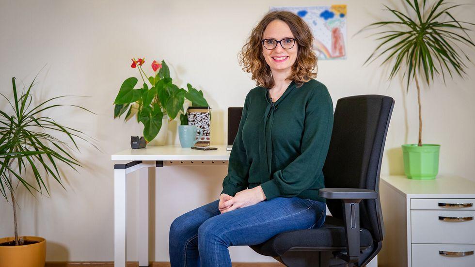 Mitmachen ist erwünscht: Yogalehrerin Karin Matko lädt zu einem lehr- und aktionsreichen Video ein.