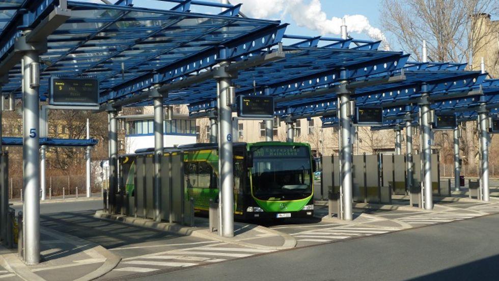 Der Omnibusbahnhof sollte in Richtung Hauptbahnhof umziehen und aus dem Areal der neue Uni-Campus werden. Daraus wird jetzt erstmal nichts.
