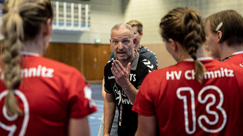 Cheftrainer Thomas Sandner motivierte sein Team bis zur Schlussminute. Am Ende musste sich der HVC trotzdem knapp geschlagen geben.