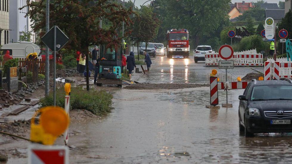 In Meerane wurde die Forststraße überflutet, der Schlamm drang teilweise in die Häuser ein.
