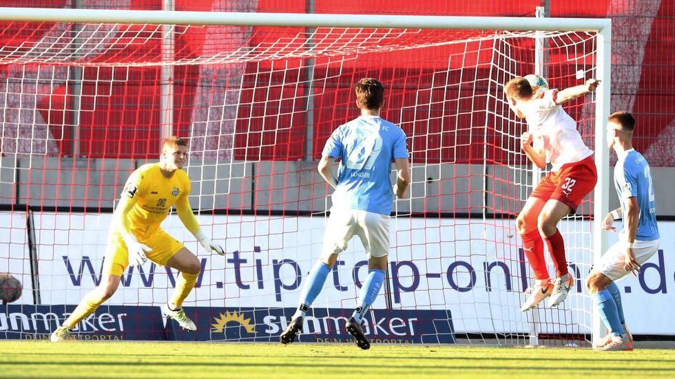 Der Chemnitzer FC verliert das Sachsenderby in Zwickau und rutscht am vorletzten Spieltag auf einen Abstiegsplatz.